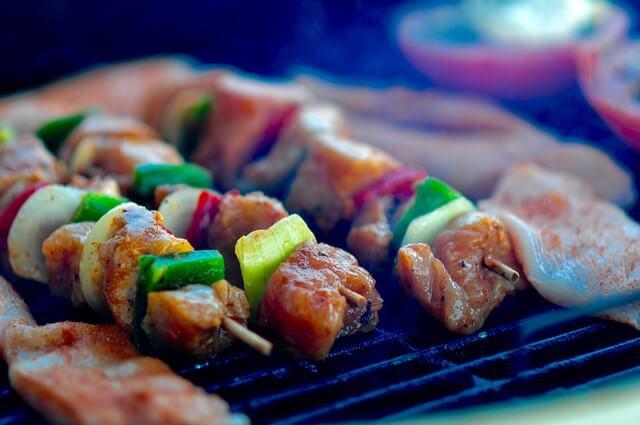 無煙バーベキューコンロ、おすすめの2商品を徹底比較!ご近所を気にせず自宅BBQを楽しもう!