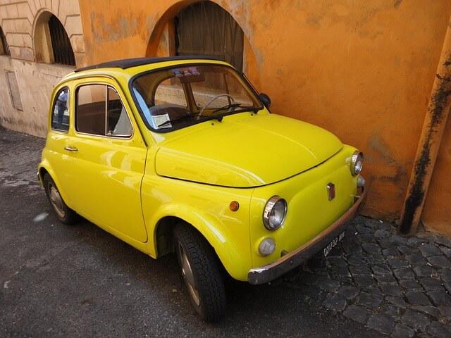カリオストロの城に出る車、オシャレすぎ!ルパンや皆が乗っているのは何?【ルパン三世】