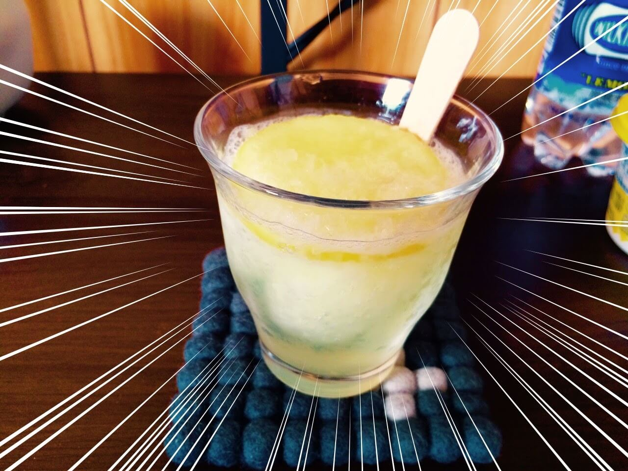 【Twitterで話題】炭酸水×サクレで作る、爽やかレモンドリンク!作ってみたらサイコーでした!